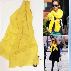 Gucci Accessories - 🌿NWT! Authentic Gucci Scarf Yellow & Fringed